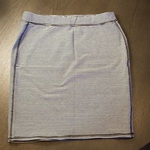 Old Navy Black and White Skirt